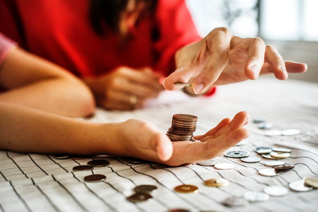 5 tips to manage money on a low income